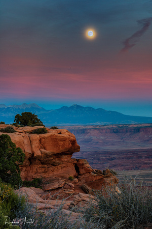 Moonrise over Grandview Point